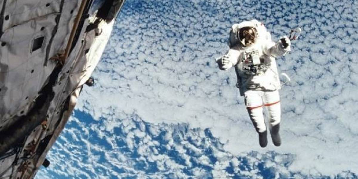 Astronauta revela cómo huele el universo
