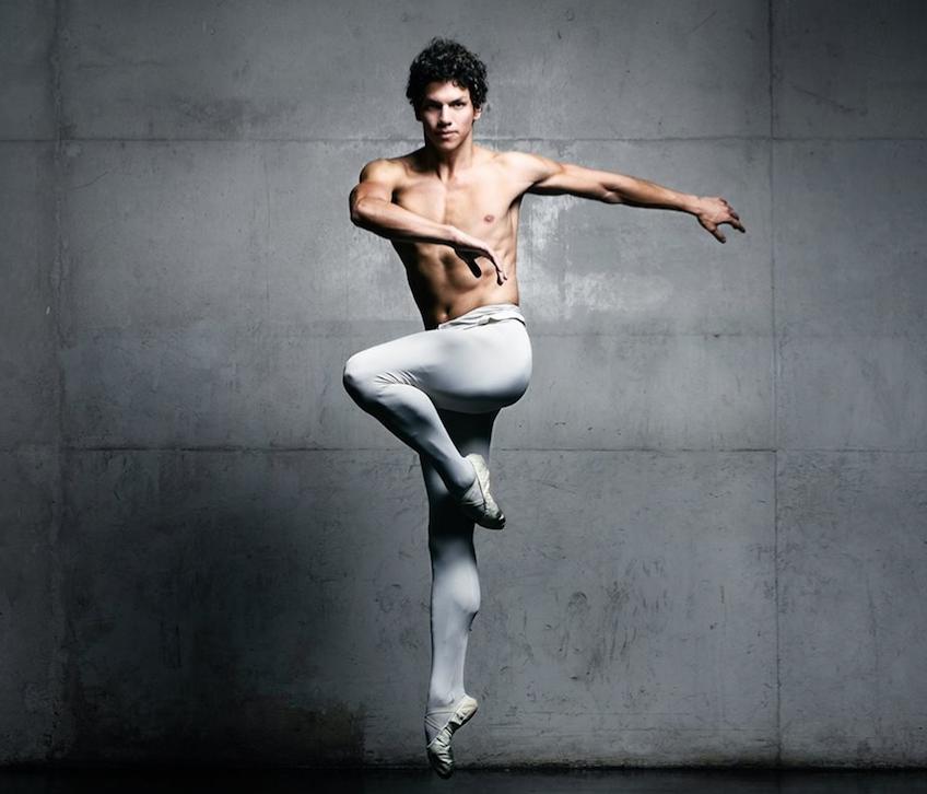Isaac Hernández, bailarín mexicano.