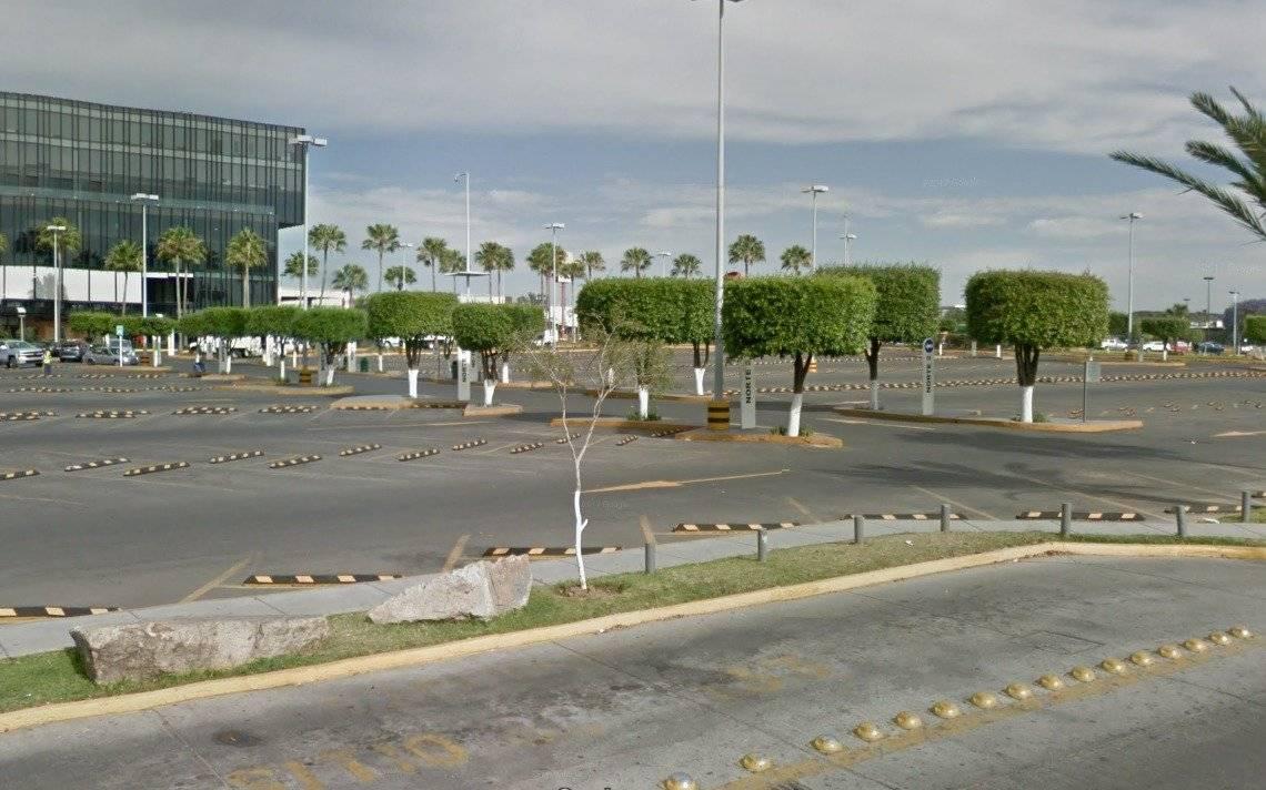 Buscan que centros comerciales otorguen dos horas gratis de estacionamiento