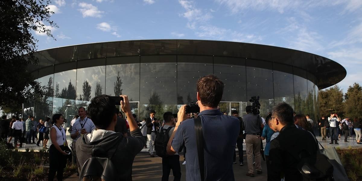 """""""Ha sido un infierno"""": las quejas de los vecinos de la nueva y flamante """"sede espacial"""" de Apple en Silicon Valley"""