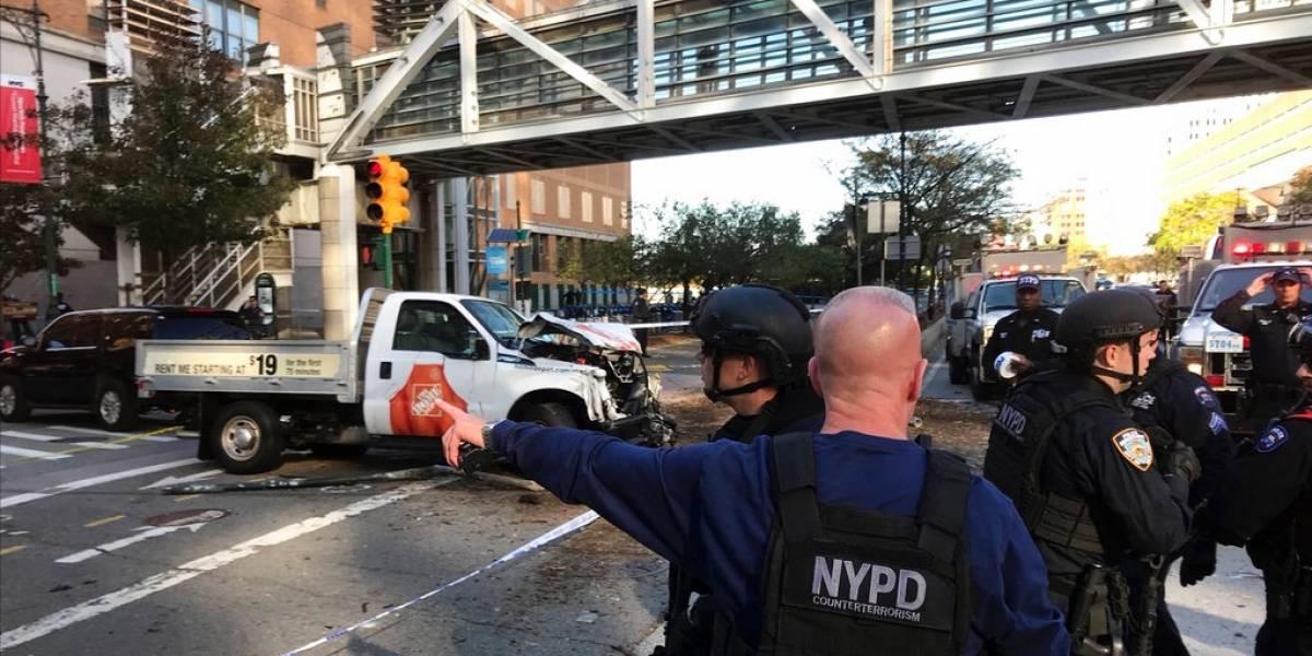 Vehículo se estrelló contra una vía para peatones y ciclistas en el Bajo Manhattan, Nueva York