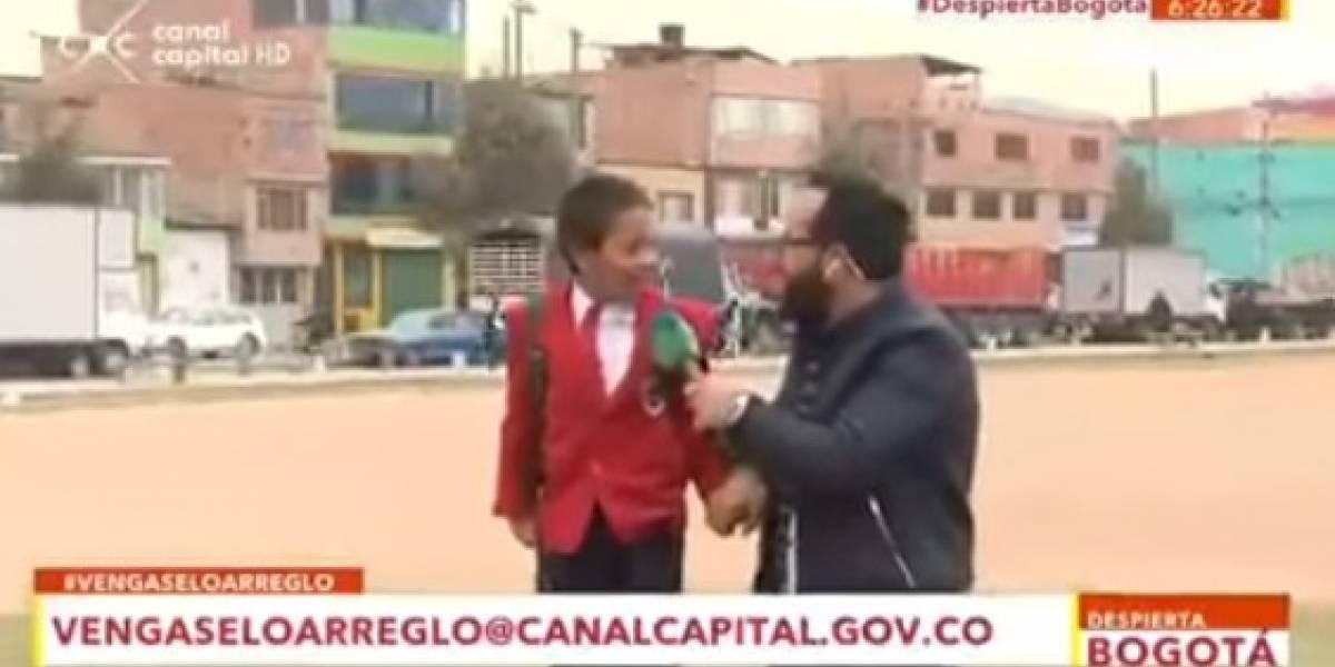 """""""Voy tarde"""": niño abandona entrevista porque iba atrasado al colegio y se gana el amor de las redes sociales"""