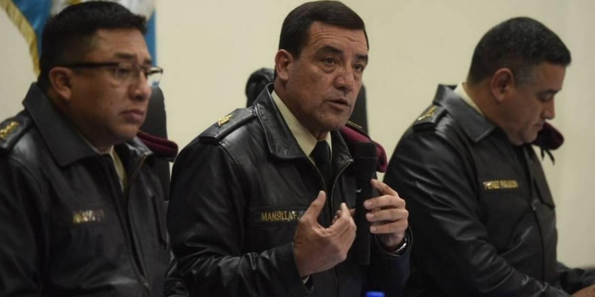 Exministro Williams Mansilla es arraigado por bono militar