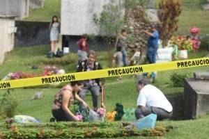 cementeriosventadefloresfotoomar21-908674cf58408b88774f86758027af0b.jpg