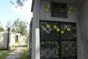 cementeriosventadefloresfotoomar28-de2a9b6a748809a7633b4a314002d01d.jpg