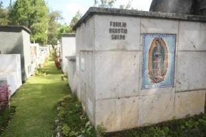cementeriosventadefloresfotoomar29-6bffdf8b70868bf00182ad2d6c0cb615.jpg