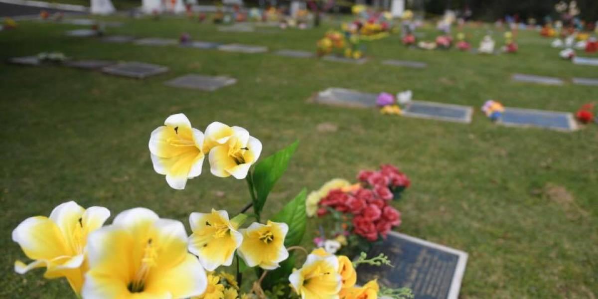 #DíaDeLosSantos: Guatemaltecos visitan cementerios para recordar a sus seres queridos