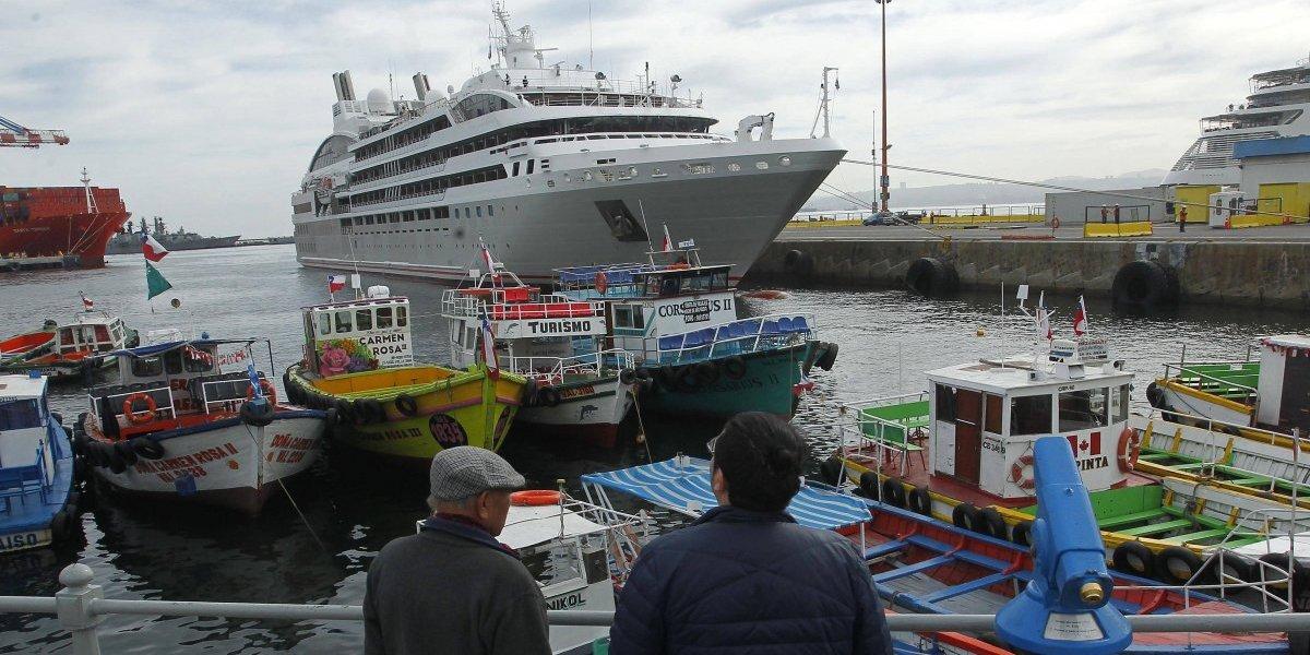 Con la llegada de dos embarcaciones a Valparaíso se dio inicio la temporada de cruceros