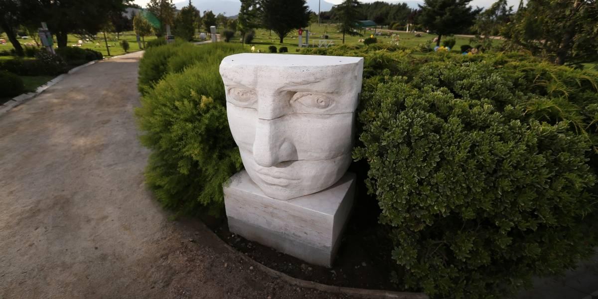 El arte de las esculturas se toma los cementerios