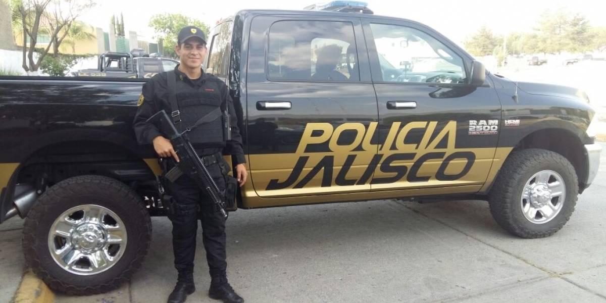 Reconocen a policía que salvó a un niño en Guadalajara