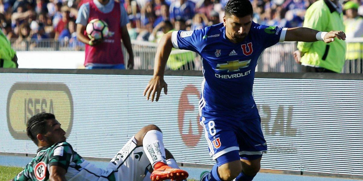¿Hoyos debe citar o resguardar a Pizarro para el duelo contra Wanderers en Playa Ancha?