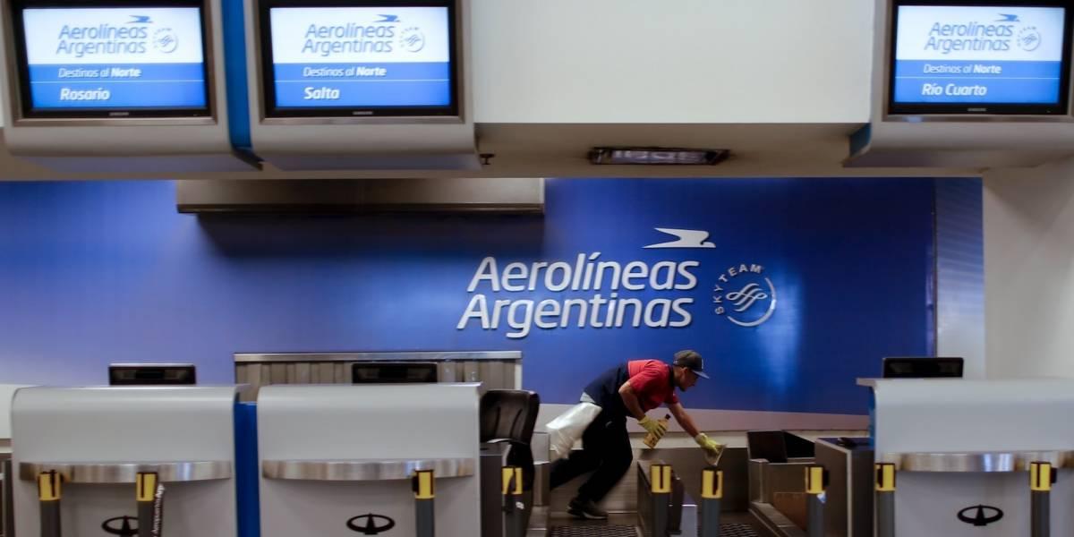 Miles de pasajeros afectados por huelga de Aerolíneas Argentinas