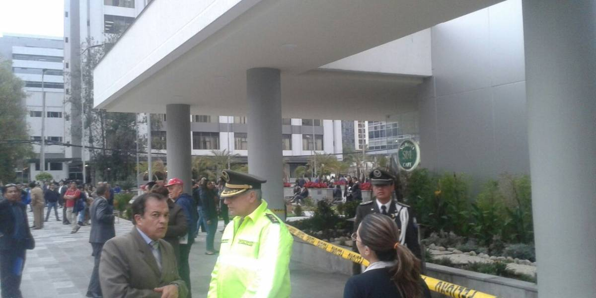 Se evacúa Complejo Judicial del Norte por amenaza de bomba