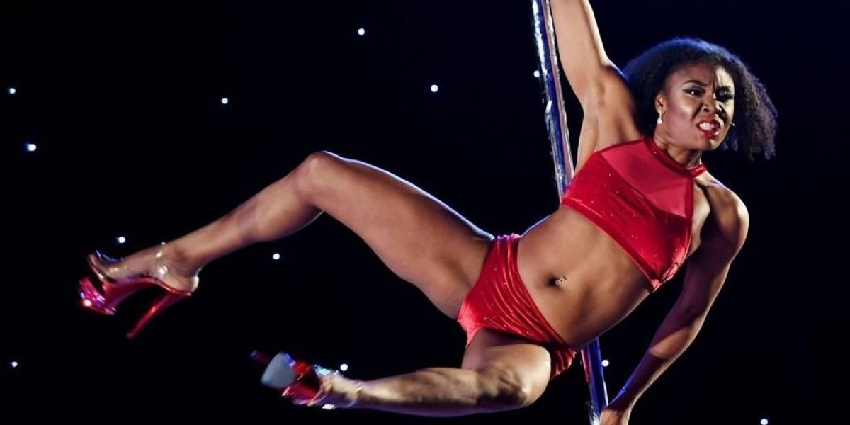 """Cómo podría llegar a dar medallas olímpicas el """"pole dance"""", el deporte que tiene su origen en el estriptís y el yoga"""