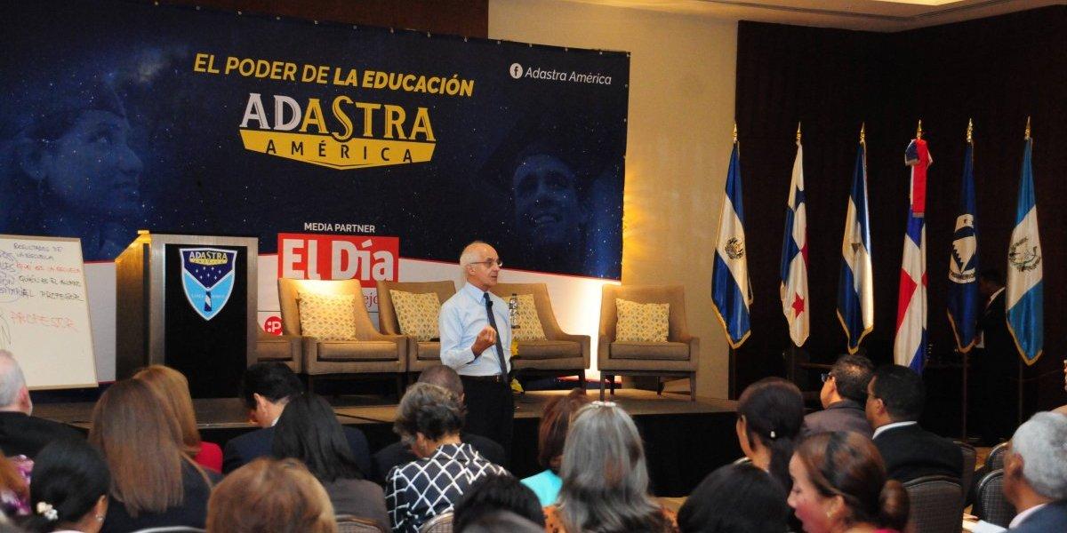 """Adastra América imparte foro internacional """"La educación que de verdad importa"""""""