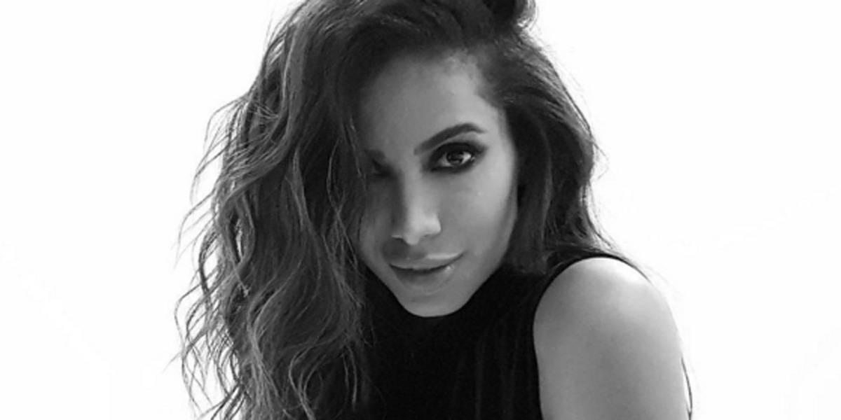 Anitta sobre uso de celular: 'Tudo na vida precisa de equilíbrio'