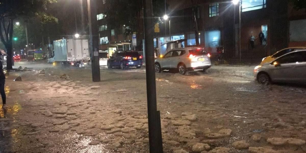 No se va el granizo aún de Bogotá: así se ve casi un día después del fenómeno climático