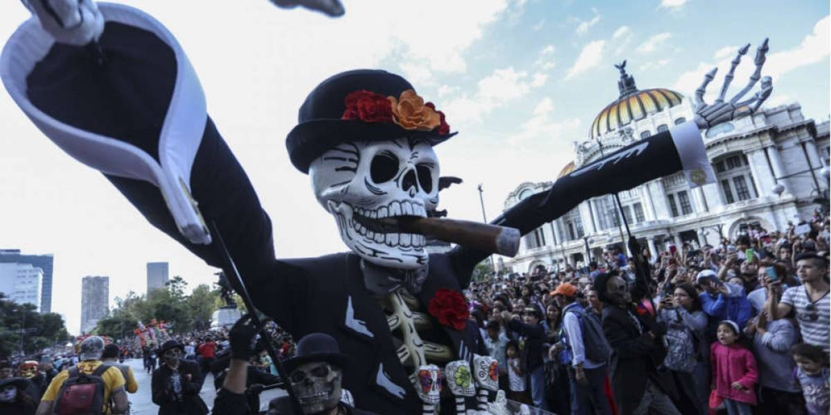 ¿De qué se trata el Día de Muertos que se celebra en México y otros lugares?