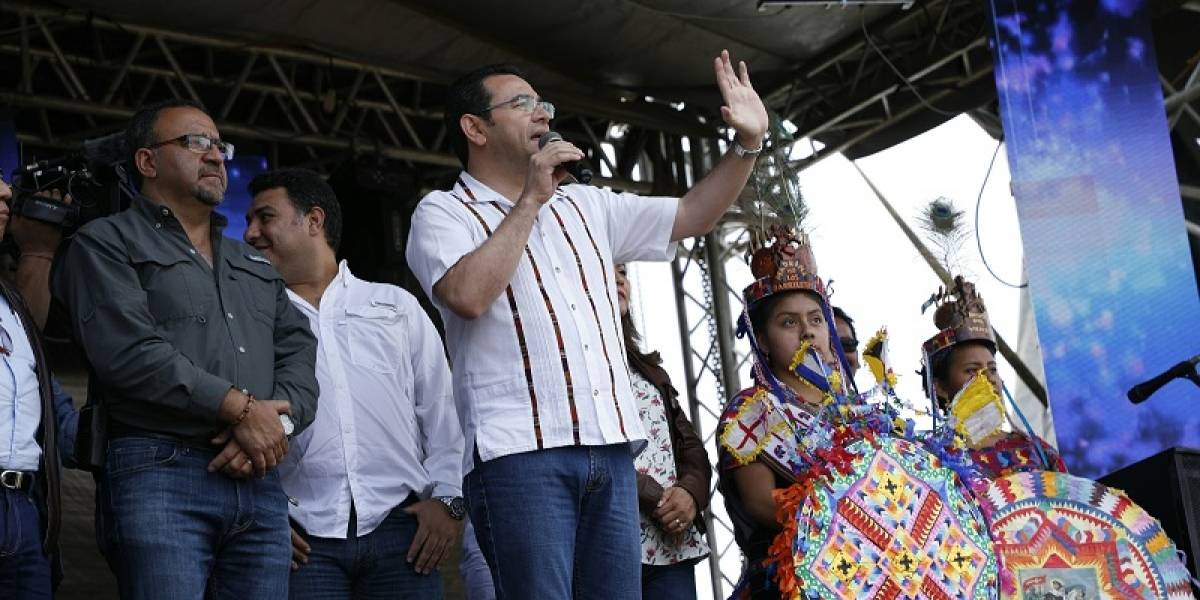 Jimmy Morales es abucheado en el festival de barriletes