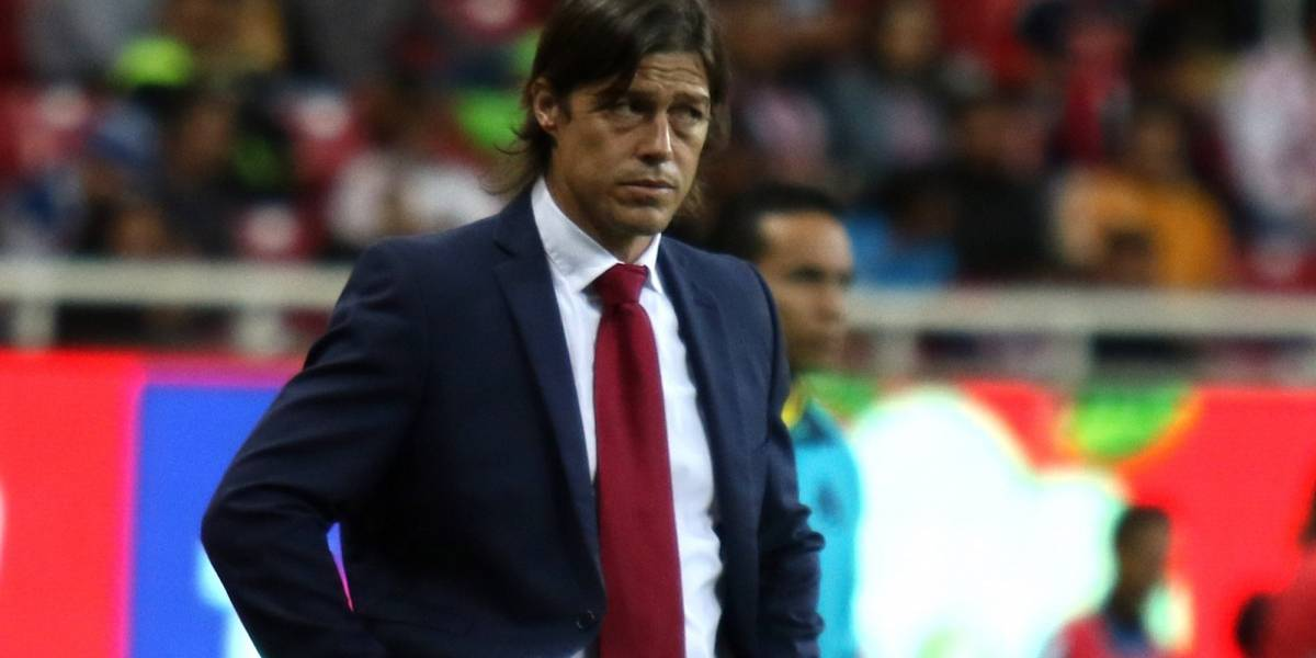Almeyda ofrece disculpas y advierte que tomará medidas en Chivas