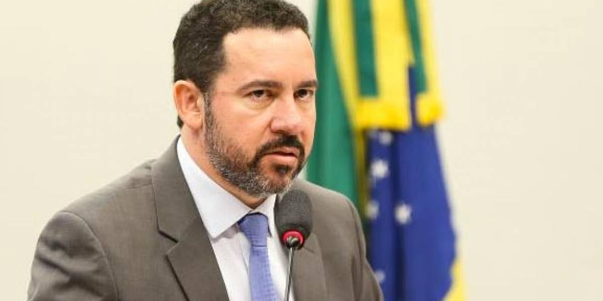Ministro diz que Brasil não tem navios para defender sua costa