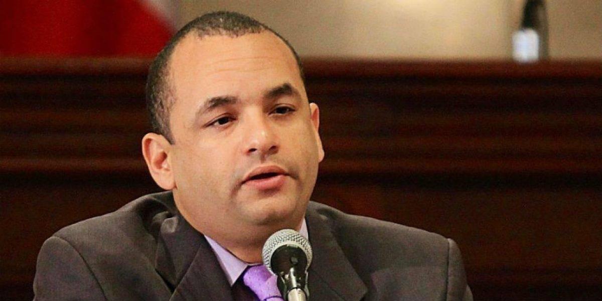 Exsenador hablará ante el Congreso sobre el problema del sistema eléctrico de la isla