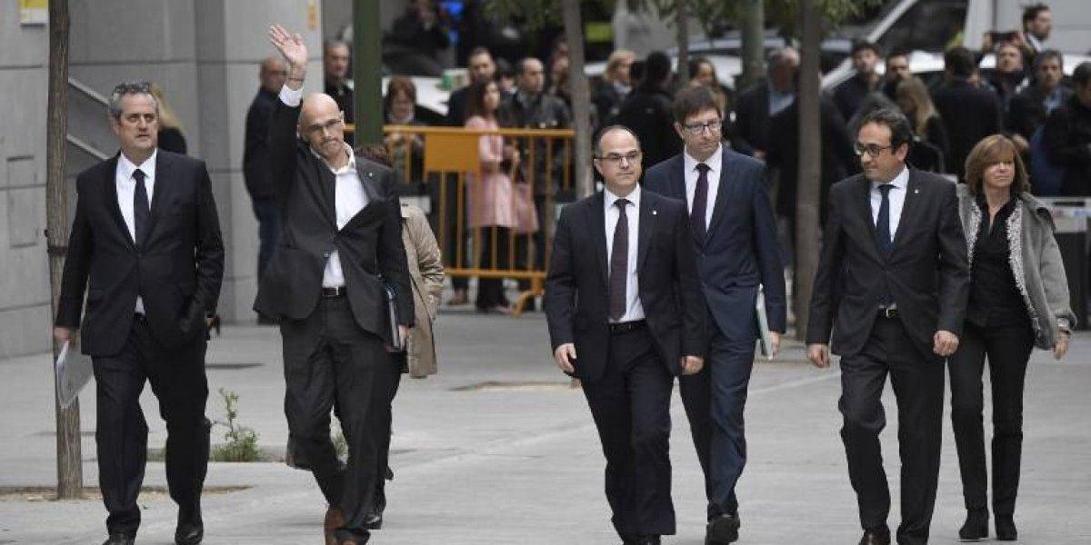 A la cárcel sin fianza: Ocho miembros del gobierno catalán ingresan a prisión preventiva  por sedición y rebelión