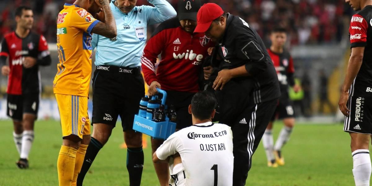 VIDEO: Oscar Ustari sufre terrible lesión de rodilla en el Atlas vs. Tigres