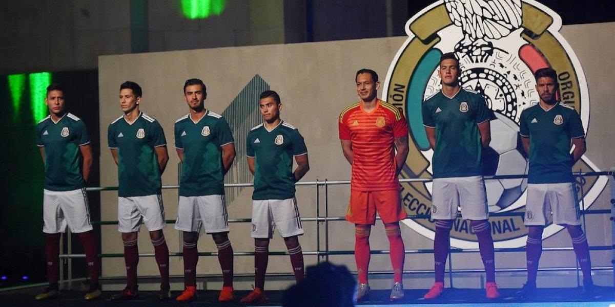 Presenta la playera oficial de la Selección Mexicana