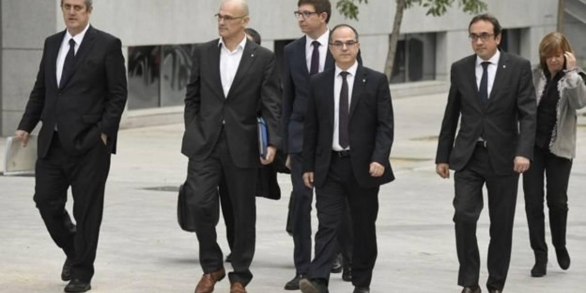 La justicia de España ordena prisión sin fianza para el ex vicepresidente y 7 exconsejeros del gobierno de Cataluña
