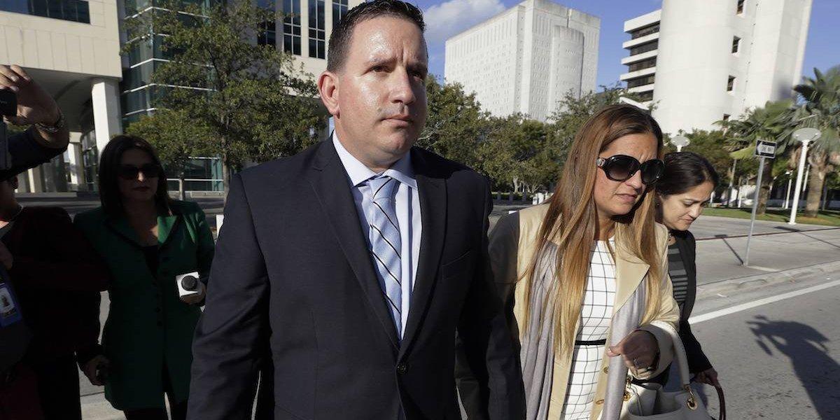 Sentencian a entrenador y agente por contrabando de peloteros cubanos
