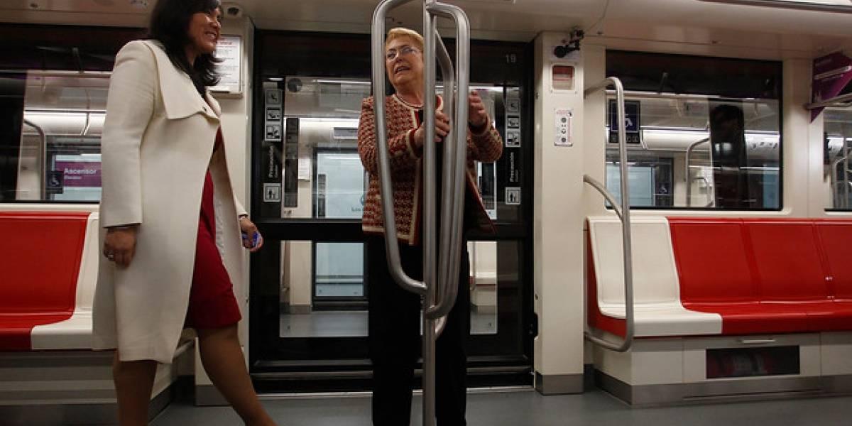 """Bachelet inaugura la Línea 6 del Metro: """"No es un ofertón populista, es una obra que le pertenece a todos los chilenos"""""""