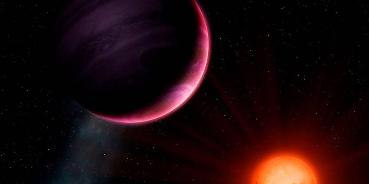 """El hallazgo que desconcierta a la ciencia: descubren """"planeta monstruo"""" que no debería existir en el universo"""