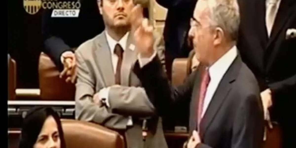 Video: La furibunda reacción de Uribe al enterarse que Timochenko se lanza a la presidencia