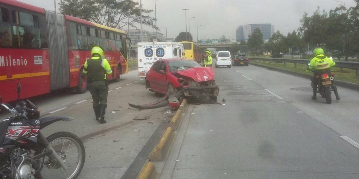 ¡Atención! Movilidad reducida en la calle 26 por accidente de tránsito