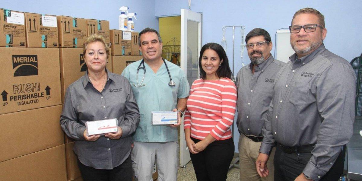 Donan productos al Colegio de Médicos Veterinarios