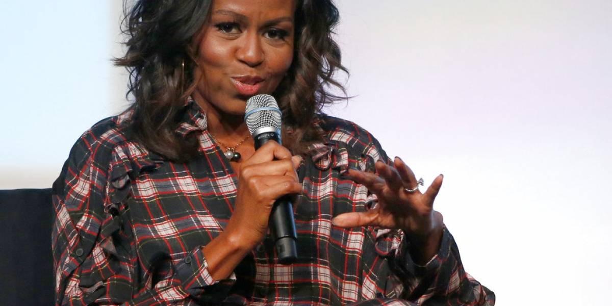 """Michelle Obama le pide a los jóvenes que """"no tuiteen lo primero que se les ocurre"""""""