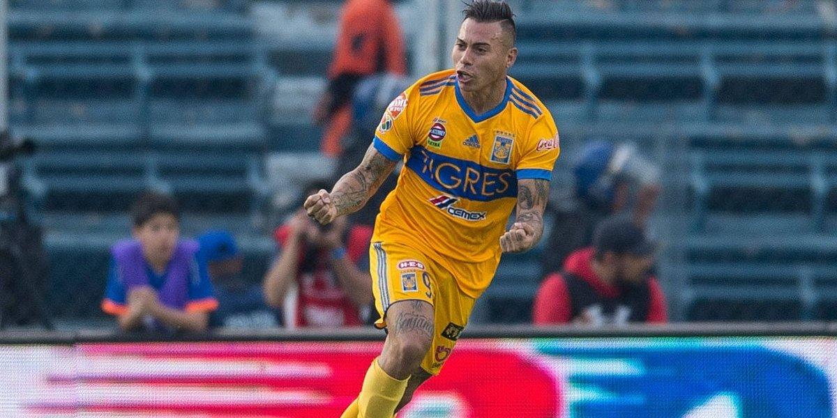 Eduardo Vargas jugó todo el partido en el empate de Tigres con Atlas en México