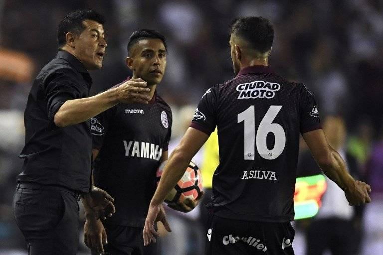 Almirón, DT más ganador en la historia de Lanús / Foto: AFP