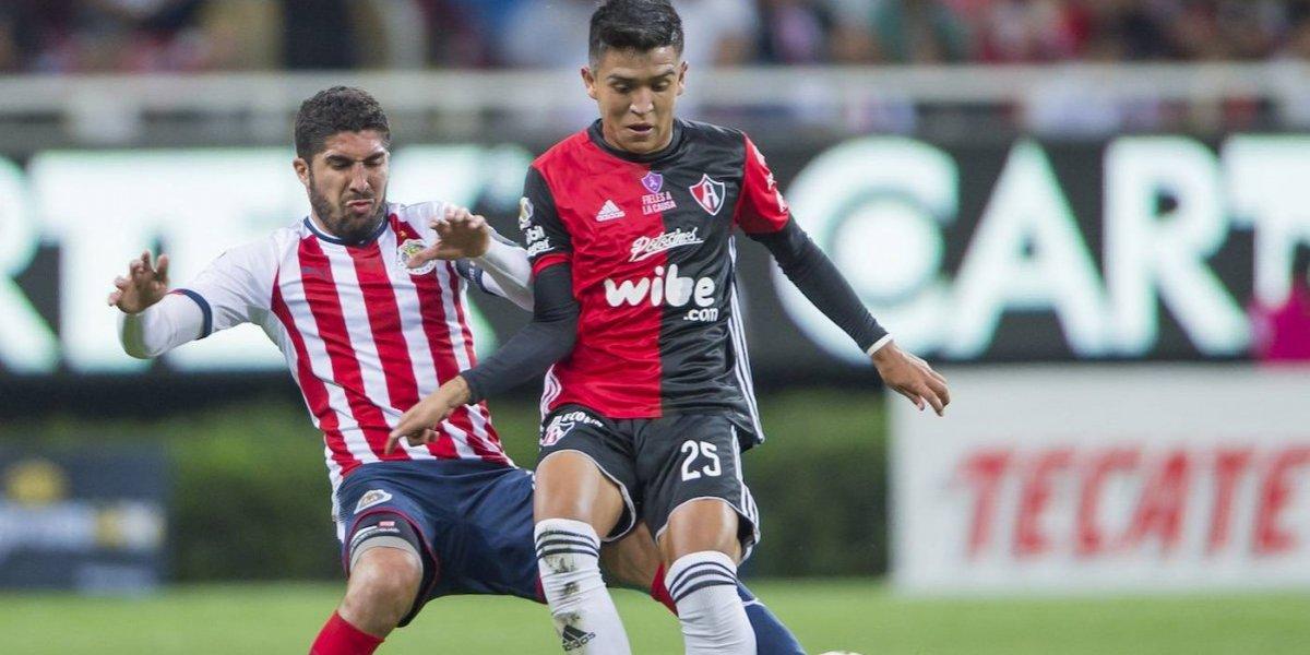 Jair Pereira es baja con Chivas para el Clásico Tapatío