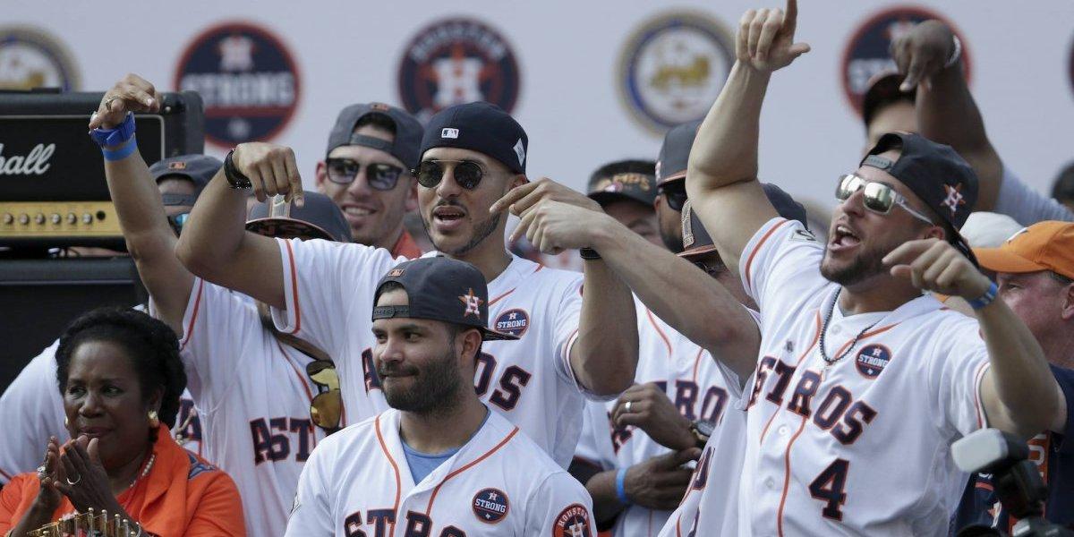 Astros de Houston celebran con sus aficionados