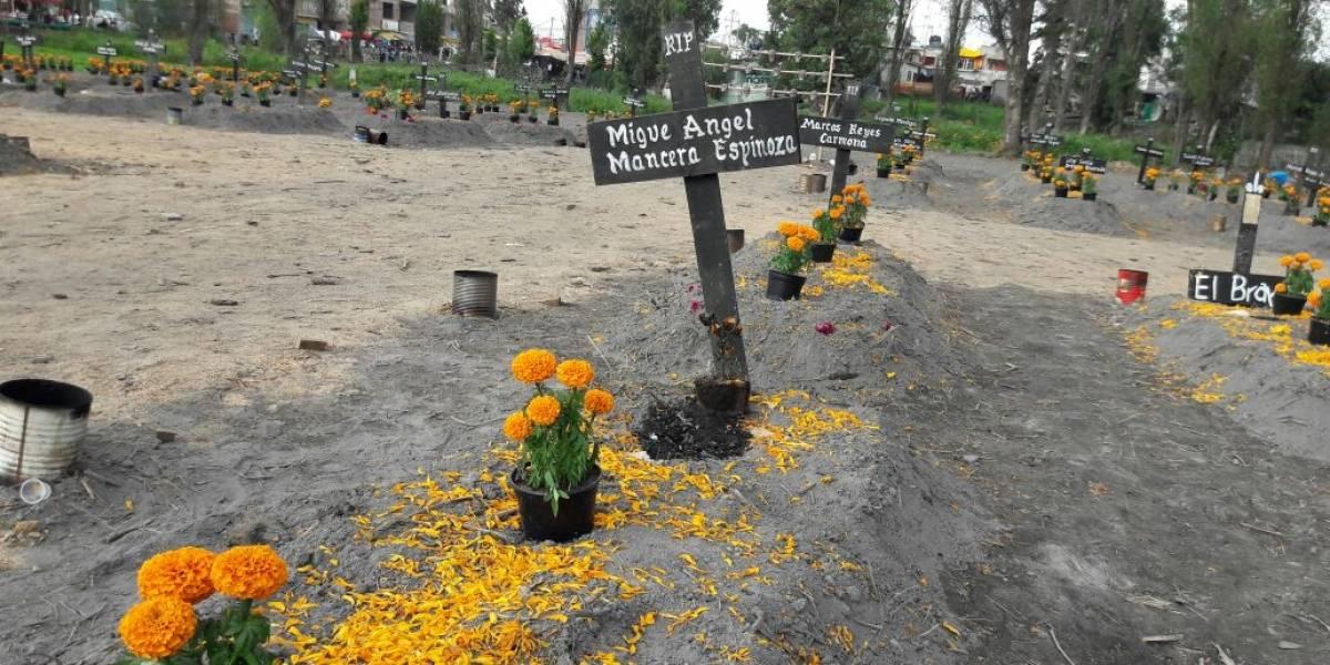 Así lucieron las tumbas de Mancera, AMLO y el delegado de Tláhuac en Mixquic