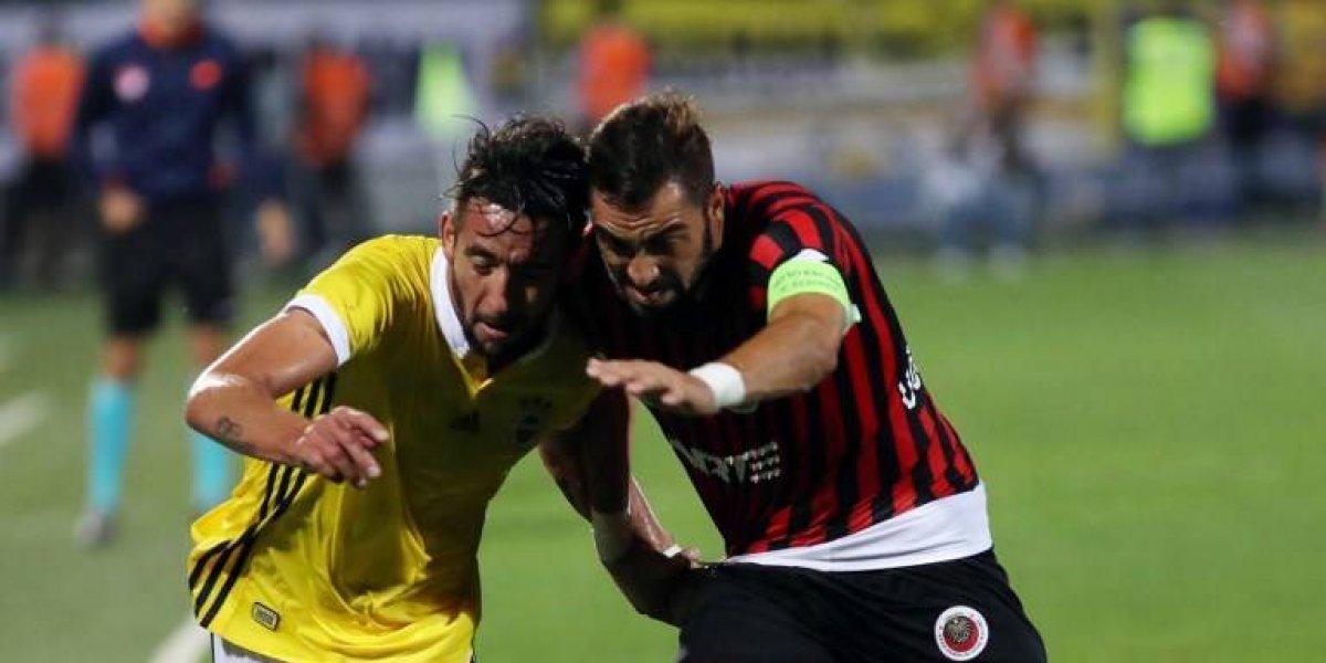 Mauricio Isla se lesiona en empate de Fenerbache en la Superliga Turca