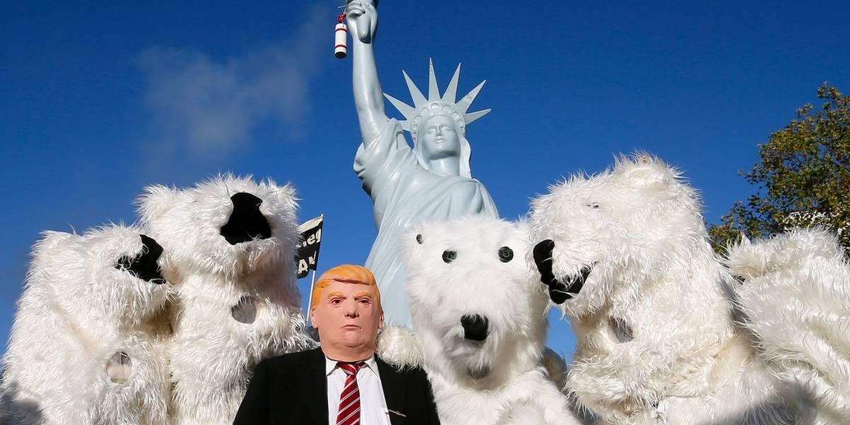'Osos polares' se manifiestan contra Trump y el cambio climático