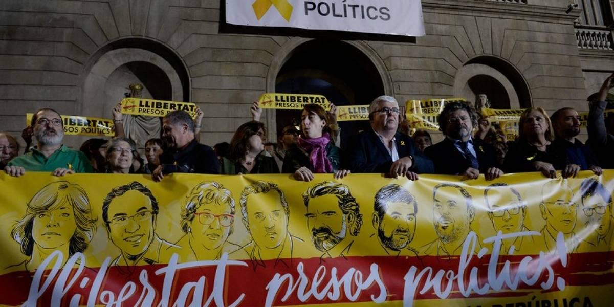 Rebelión, sedición, malversación: de qué acusan exactamente en España a Carles Puigdemont y los otros miembros del destituido gobierno de Cataluña