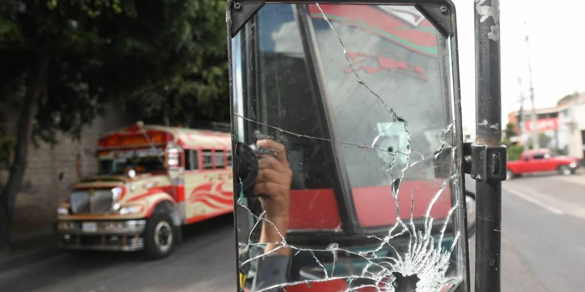 Atacan al piloto del bus con ruta a Boca del Monte