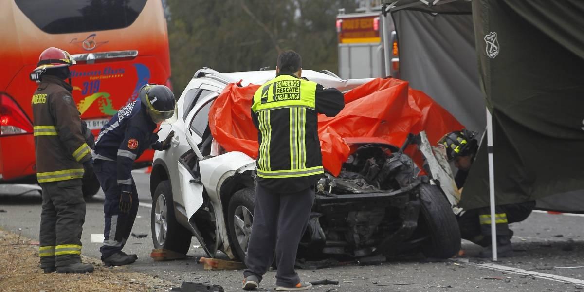 Dos muertos y 12 heridos tras choque de bus con auto en Chiguayante