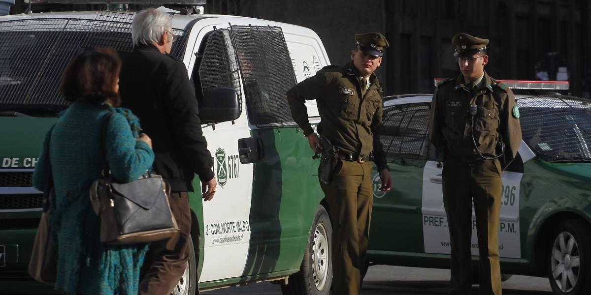 Con un cuchillo carnicero: Carabineros detuvo a sujeto que apuñaló a sus padres en Peñalolén