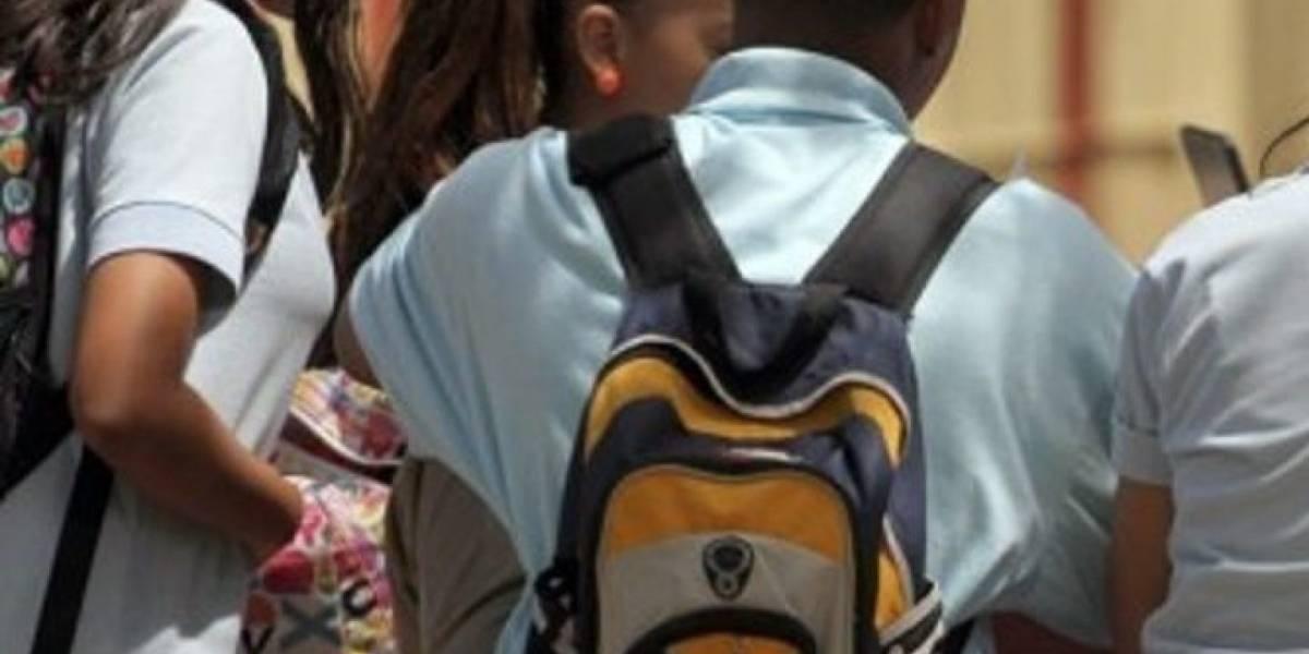 Casi 800 escuelas abiertas a 54 días de María