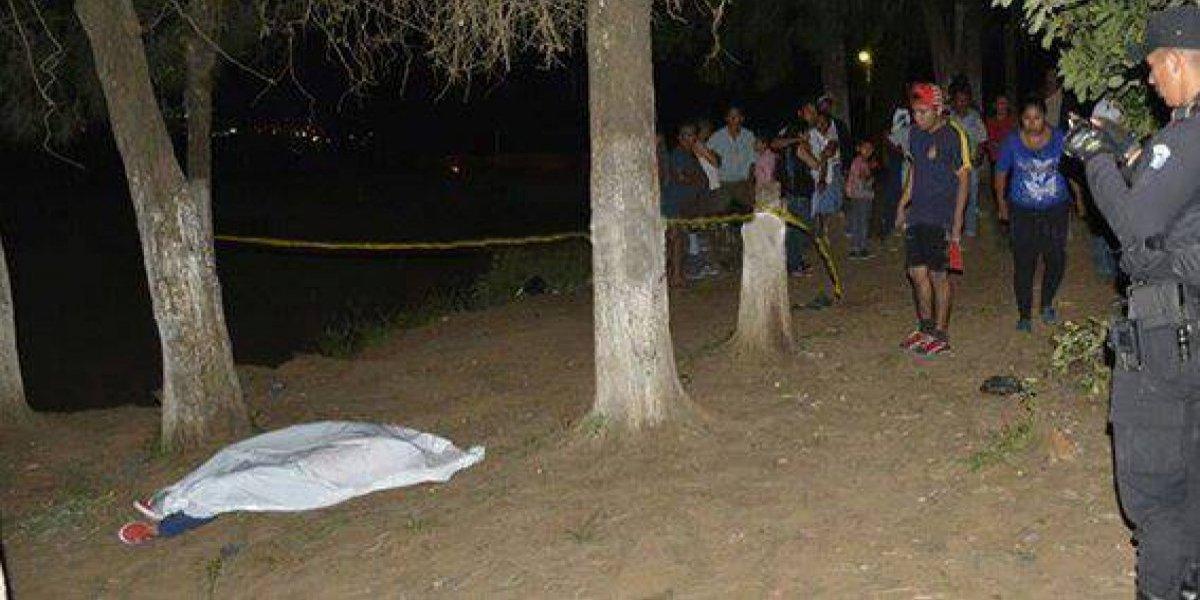 Citan y asesinan a una mujer en Amatitlán